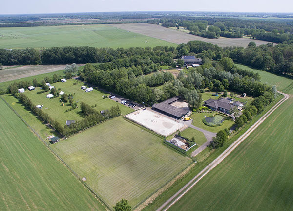 Luchtfoto alpaca boerderij te koop